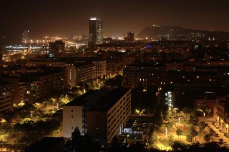 Vista nocturna del Poblenou